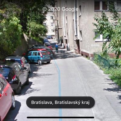 Parkovanie zadarmo v blizkosti Ministerstva zahranicnych veci v centre Bratislavy
