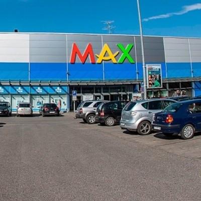 Parkovanie v obchodnom dome Max v Trenčíne